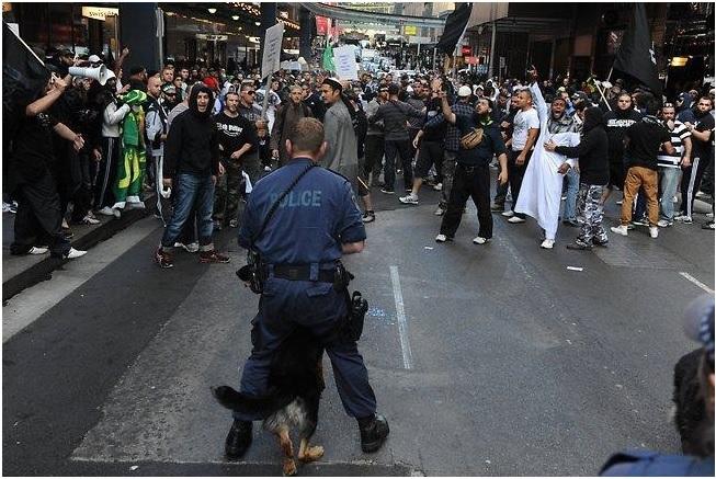 Violent Muslim Riots fill Sydney streets Sept 2012
