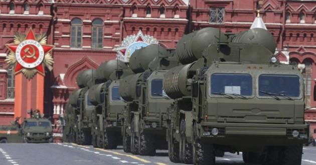 Russia-Displays-Military-Might-Amid-West-Snub-630x330.jpg