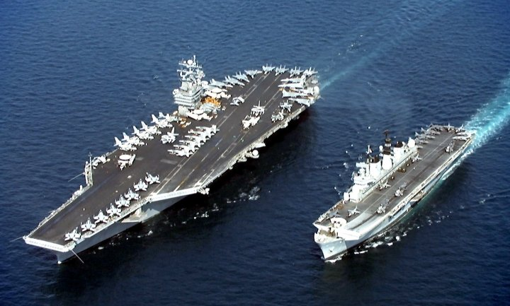 USS_John_C__Stennis_(CVN-74)_&_HMS_Illustrious_(R_06).jpg